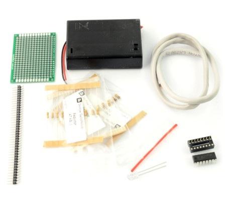 Zapakowany i opisany zestaw do budowy prostego robota