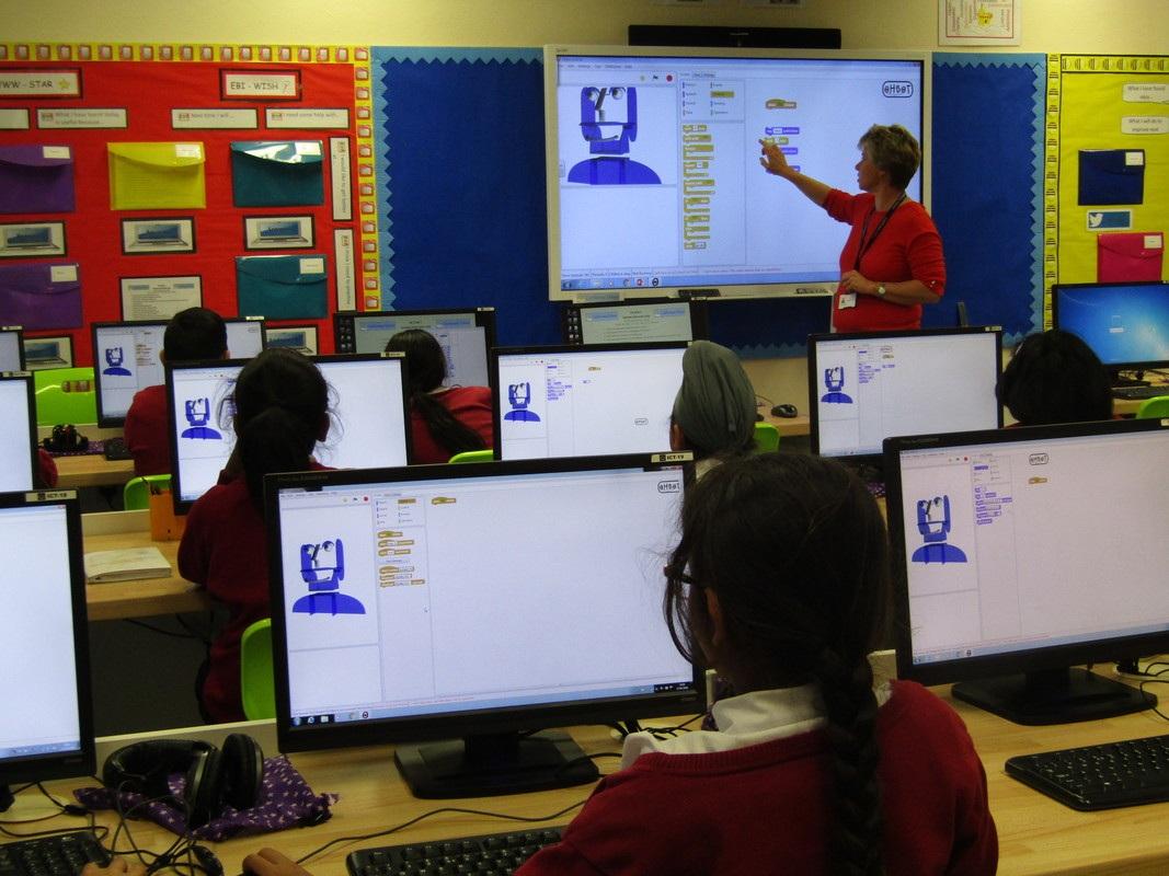 Ohbot wykorzystywany z brytyjskich szkołach