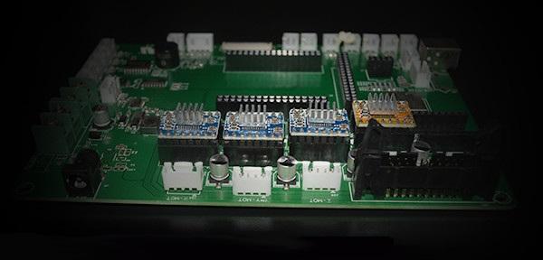 Płyta główna w MakerPi M2030X