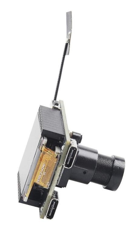 Zawiera dwa porty USB typu C.