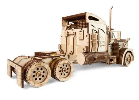 Cysterna - ciężarówka może pokonać trasę nawet do 5 metrów.